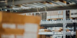 Etykiety samoprzylepne o zmiennym kodzie, idealne rozwiązanie dla logistyki.